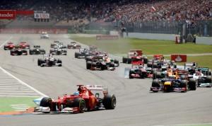 Alonso a rajtnál az élre állt, és végül megszerezte pályafutása 30. győzelmét (Fotó: Action Images)