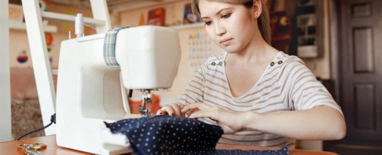 Felejtse el a túlárazott tucat ruhákat: varrja meg saját ruhatárát!