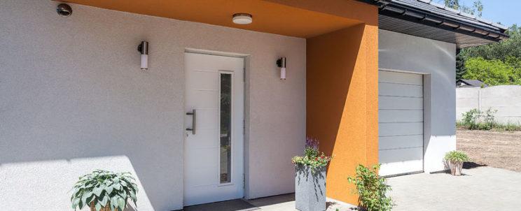 Éljen biztonságban és komfortosan egyedi bejárati ajtóval!