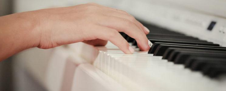 Ajándékozzon karácsonyra digitális zongorát!