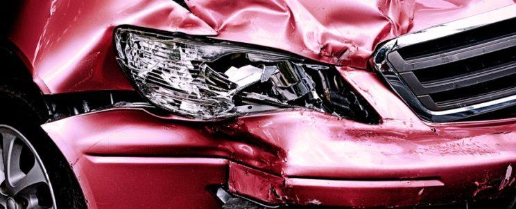 Megbízható autóroncs átvétel: Szabaduljon meg totálkáros járművétől!