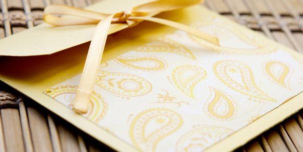 Használjon Avery öntapadó fóliákat a meghívók és ajándékok készítéséhez!